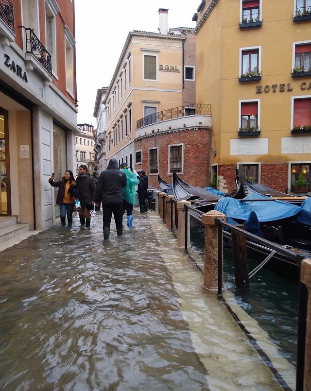 Венеция уходит под воду: затоплено более 80% города венеция,история,природное явление,путешествие