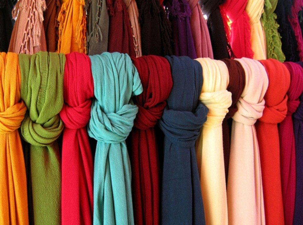 Как правильно носить шарф: ошибки, которые часто допускают женщины