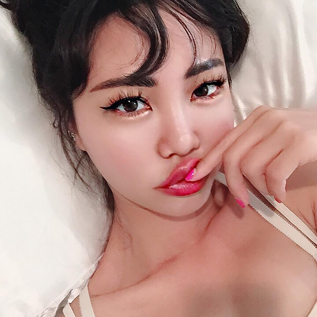 Как добиться «зеркальной» кожи: советы корейского блогера