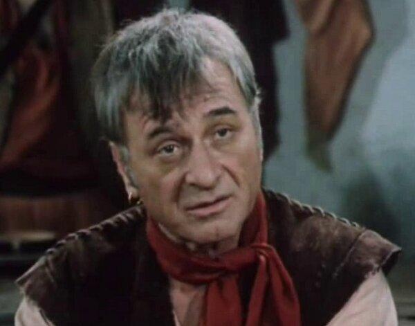 Жуткая вещь под названием «Проделки Скапена» (1985), зачем-то снятая по отличной пьесе Мольера. Не спас даже Арчил Гомиашвили.