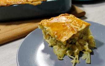 Быстрый и недорогой пирог из лука и плавленных сырков
