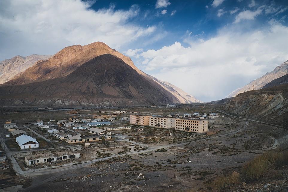 Как советское величие превратилось в постапокалиптическую пустошь: заброшенные города Кыргызстана