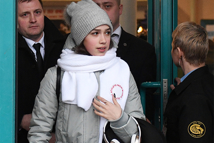 Отлить по приказу: Допинг-офицеры WADA сорвали тренировку российской фигуристки Загитовой