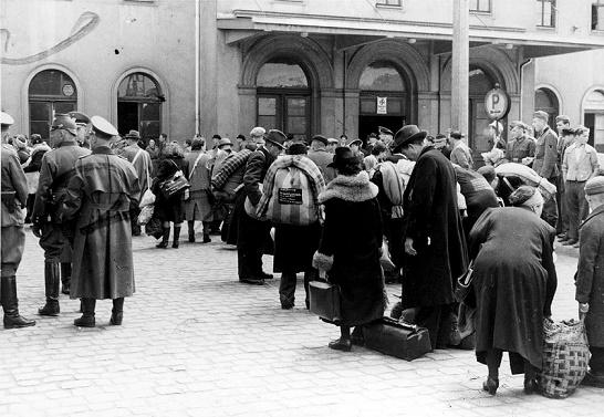 Как Гитлер хотел решить евре…
