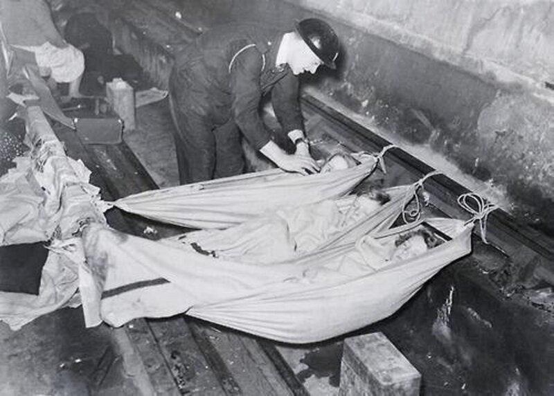 Детская спальня в Лондонской подземке во время немецких бомбёжек. Великобритания, 1940 год. жизнь, прошлое, ситуация, факт