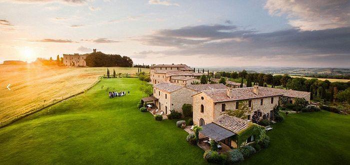 Сказочная итальянская деревня, где отдыхают Барак и Мишель Обама