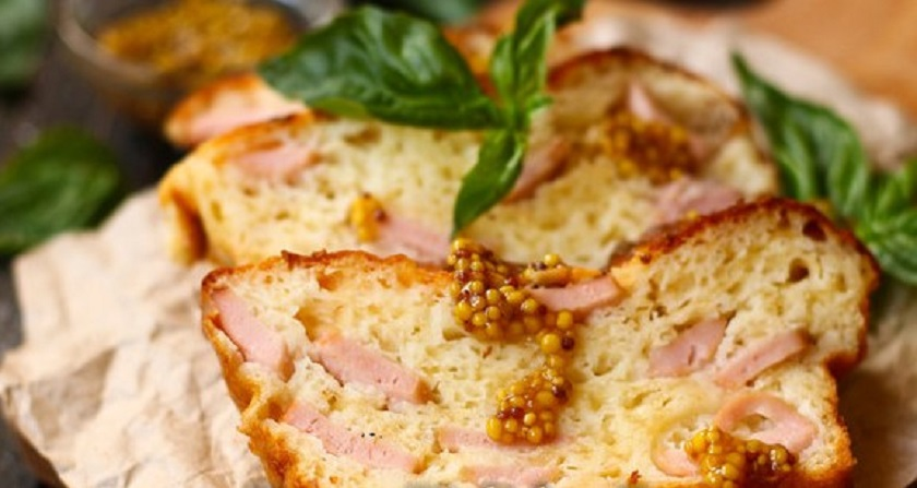 Пирог с сосисками и сыром на кефире: я его слепила из того, что было