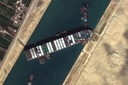 Сирия ограничила поставки топлива из-за застрявшего в Суэцком канале судна Экономика