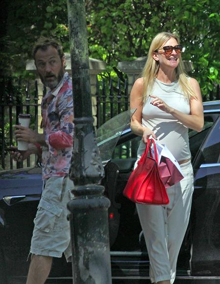 В ожидании перемен: Джуд Лоу и беременная Филиппа Коэн на прогулке в Лондоне Дети,Беременные звезды