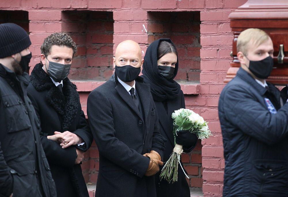 Федор Бондарчук необычно себя повел на похоронах Скобцевой