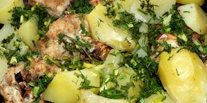 Мясо тушеное с овощами и зеленью