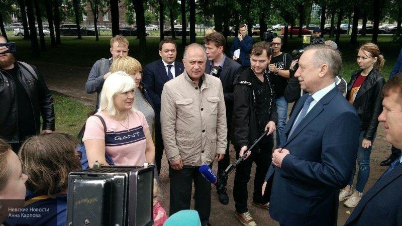 Беглов велел разобраться с точками незаконной торговли в Петербурге