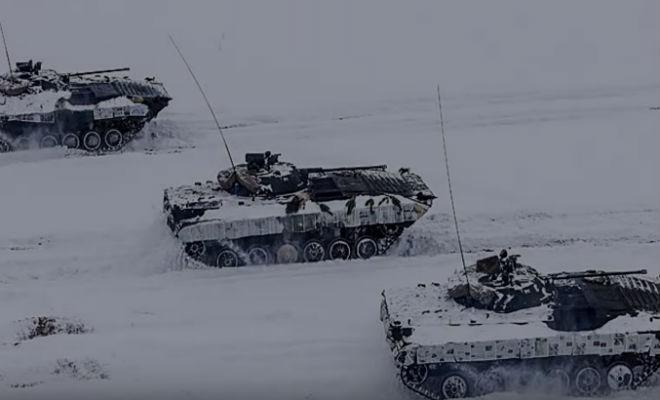 Зачем во Вторую мировую танки снаружи обклеивали газетами