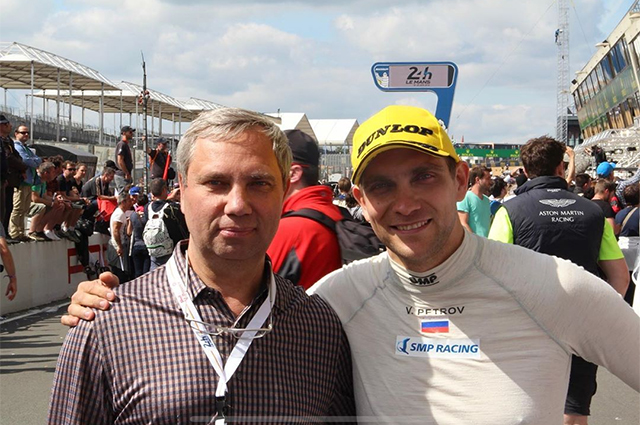 """СМИ: в результате покушения убит отец бывшего пилота """"Формулы-1"""" Виталия Петрова"""