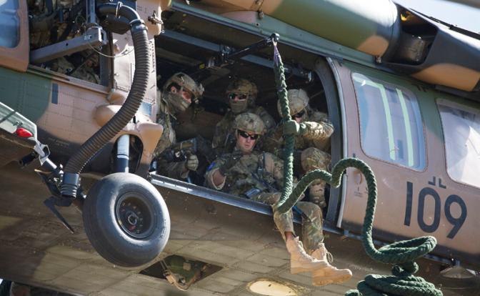 Лондон: Британский спецназ закатает русских головорезов в асфальт