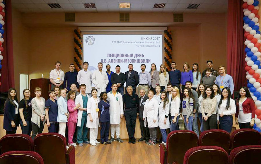 Кардиохирург Владимир Алекси-Месхишвили: «Ты делаешь все возможное, но это не значит, что ребенок будет здоров» медицина,общество