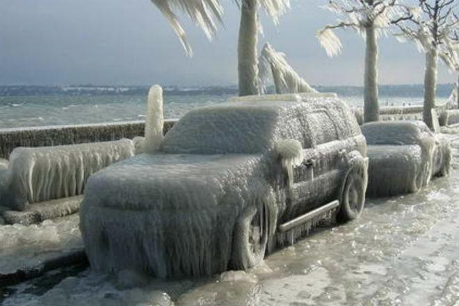 Дедовский способ избавить окна авто от замерзания