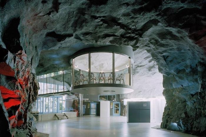 Невероятные сооружения, построенные под землей