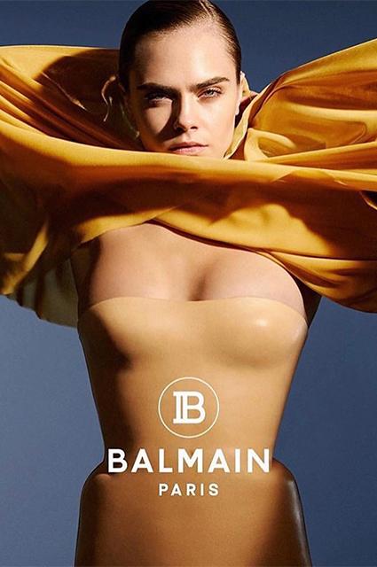 Девушка и море: обнаженная Кара Делевинь снялась в новом видео для Balmain новости моды