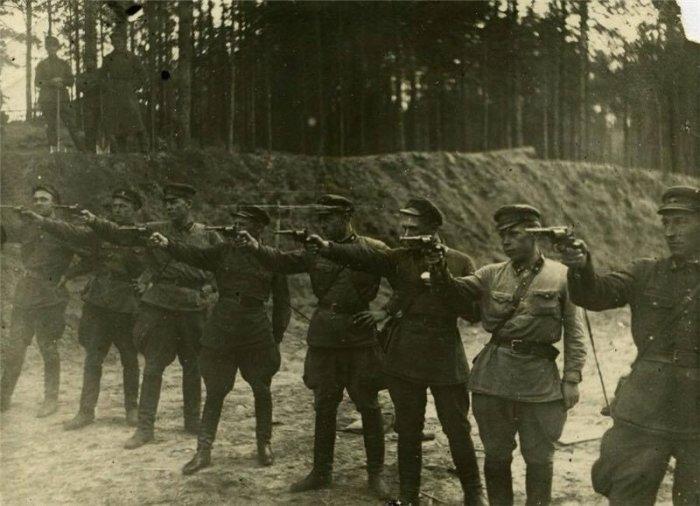 Зарплата членов «расстрельных команд» в СССР