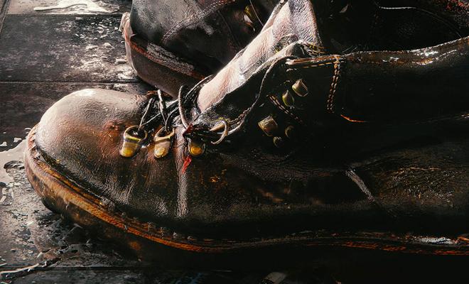 Сушим промокшую обувь правильно