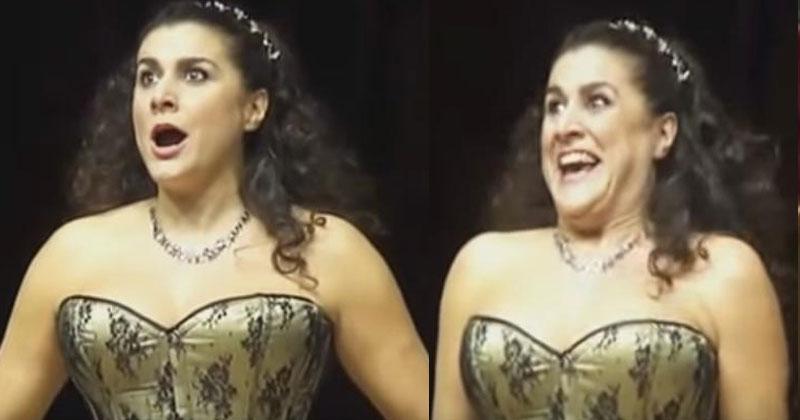 На сцену вышла оперная певиц…