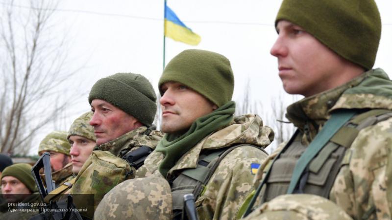 """""""У них совсем развязаны руки"""": военный эксперт назвал мародерами военных, разгромивших пансионат на границе с Крыма"""