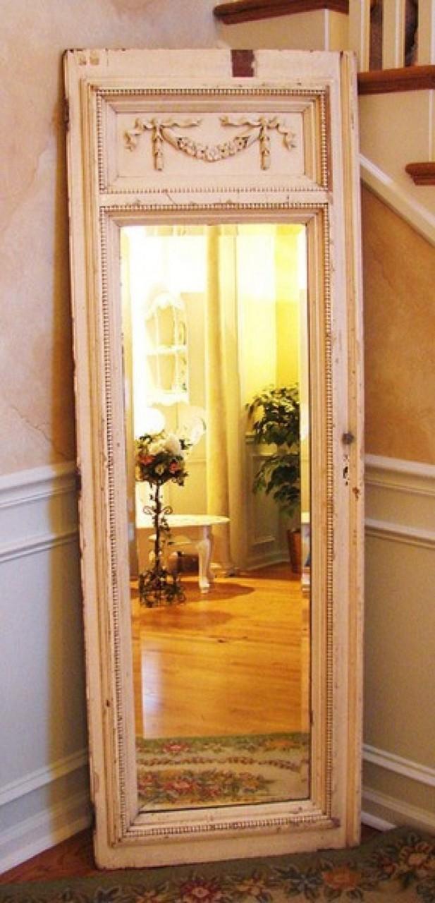 Дверь наоборот можно застарить еще больше и вставить туда зеркало, превратив в винтажную деталь интерьеров двери, полезные советы, своими руками, сделай сам, фото