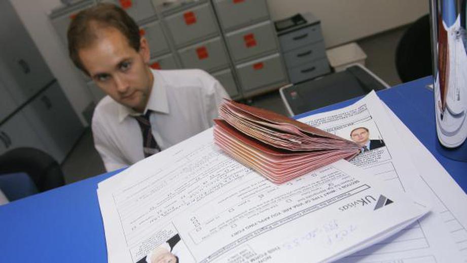 Посольство России: у британцев могут возникнуть трудности с получением виз