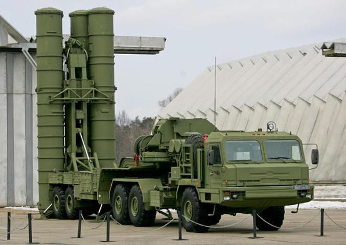 Военный эксперт:  США сами показали всему миру, что лучше закупать российские С-400