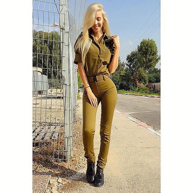 Самый востребованный в инстаграме рядовой Израильской армии армия, девушка, фото