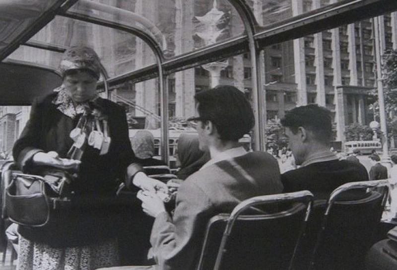 Кондуктор в троллейбусе: как это было в СССР