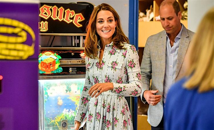 Приятное с полезным: Кейт Миддлтон и принц Уильям провели инспекцию в парке развлечений в Южном Уэльсе