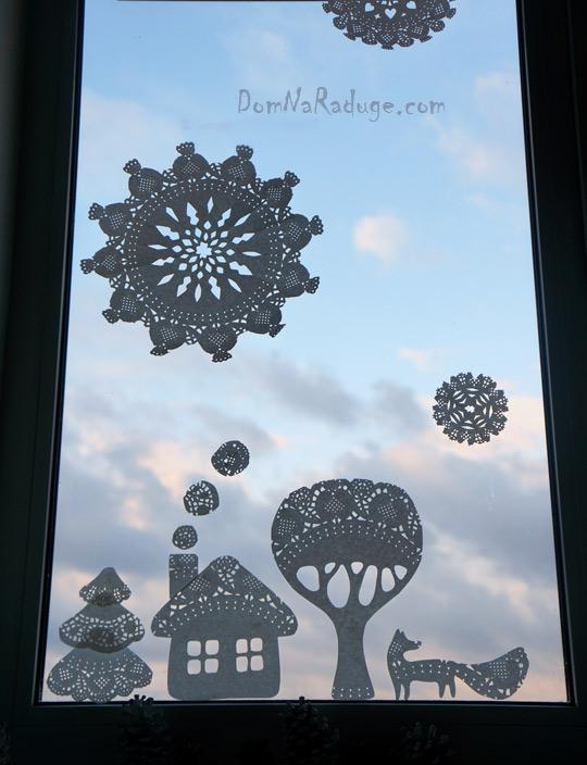 Рождественский декор из ажурных бумажных салфеток
