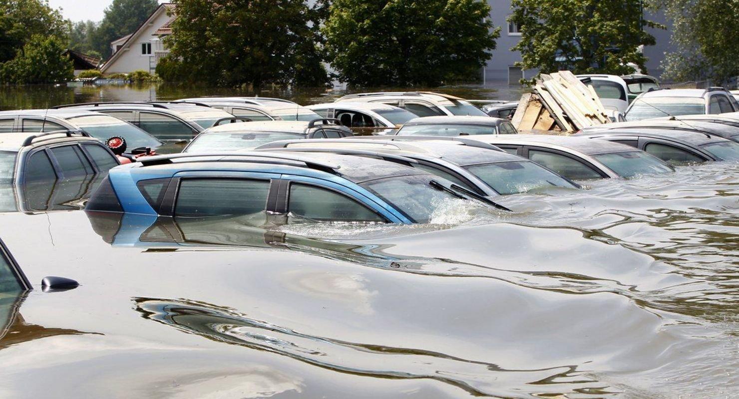 Двигатель автомобиля залило водой — как спасти Автомобили