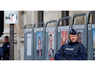Франция радикализируется: Макрон и Ле Пен вышли во второй тур