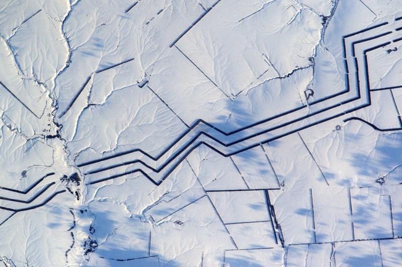 Эти странные линии в нашей степи озадачили французского астронавта