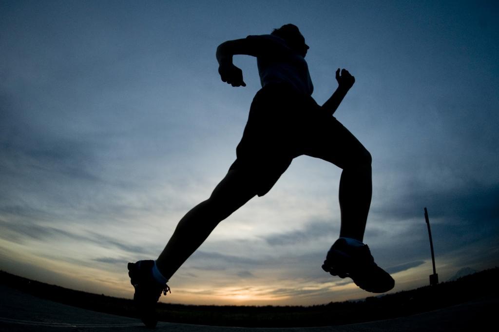 Бегать или нет — вот в чем вопрос: 10 преимуществ бега (плюс немного о рисках)