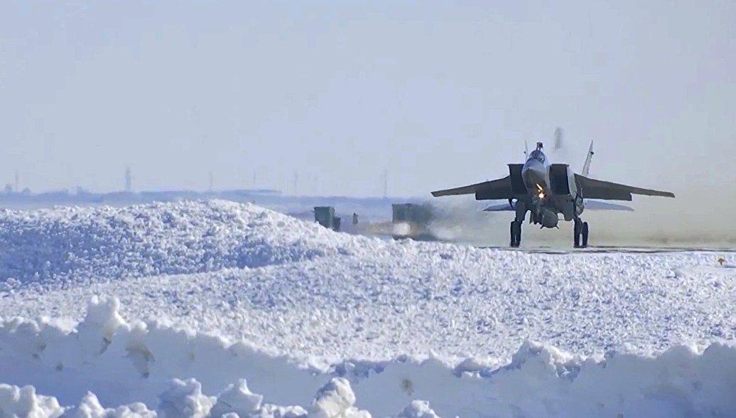 """Рогозин рассказал о доработке МиГ-31 параллельно с созданием """"Кинжала"""""""