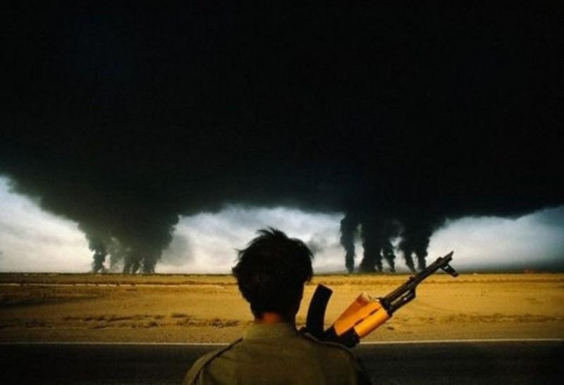 Горящие нефтеперерабатывающие заводы во время ирано–иракской войны, 1980 год, Иран история, картинки, фото