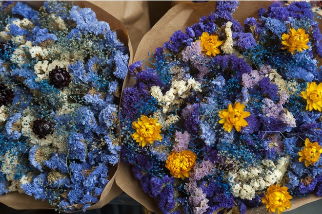 Как засушить букет цветов красиво и быстро?