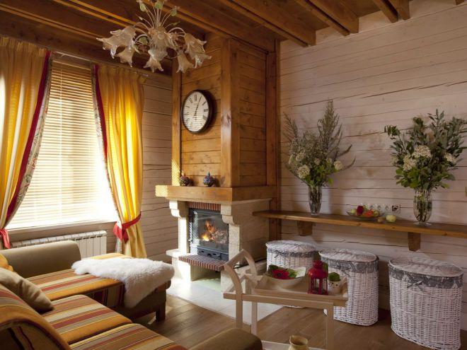 Интерьер деревянного дома в стиле прованс