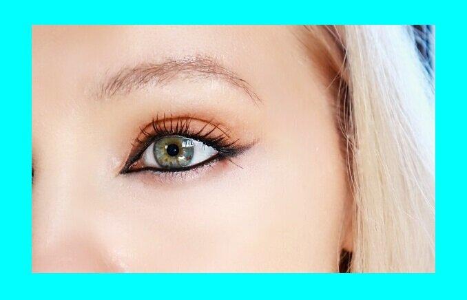 3 ошибки нанесения карандаша для глаз, которые даже в 30 старят