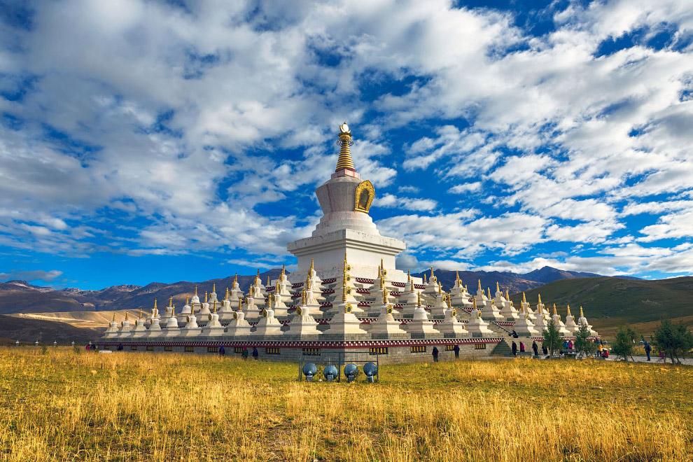 Буддийская пагода в Даочэне