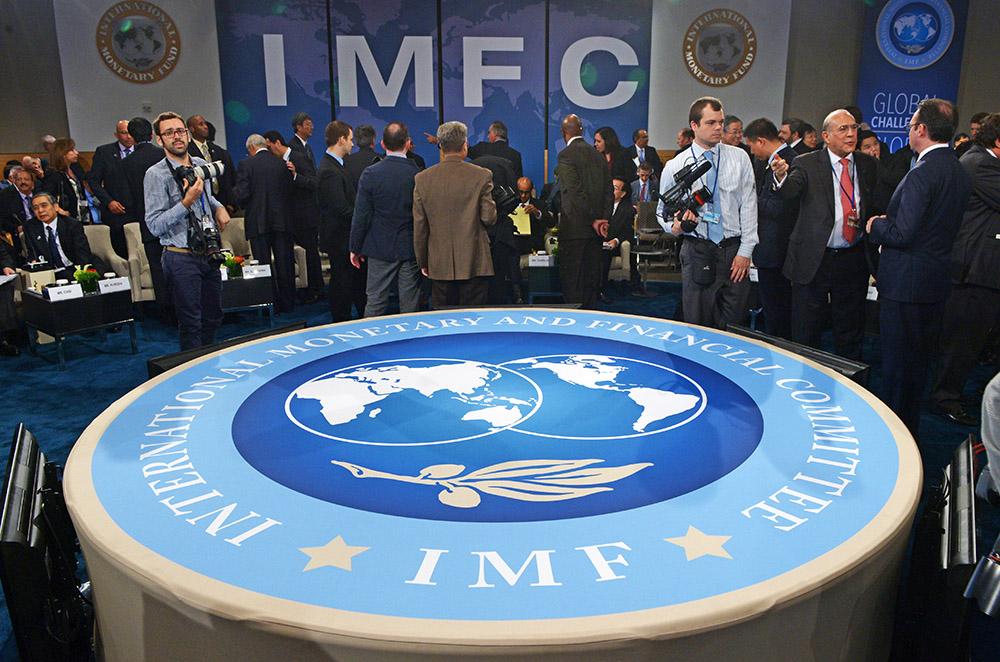 «Перезанять, чтоб переотдать»: подводные камни сотрудничества Украины с МВФ