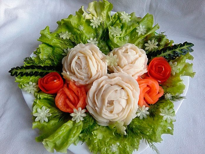 Котлета в картофельной розе