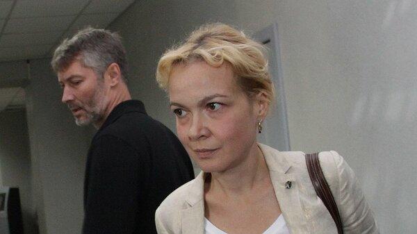 Как владельца «Знака» Аксана Панова помогает начинающим проституткам?
