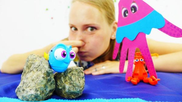 ДОРИ и осьминог игрушки в Поисках Дори Развивающее видео с поделками