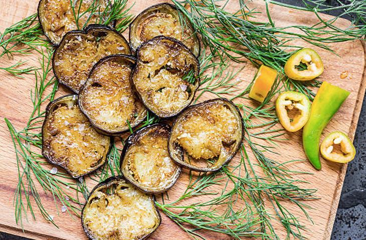 Как правильно и вкусно приготовить баклажаны