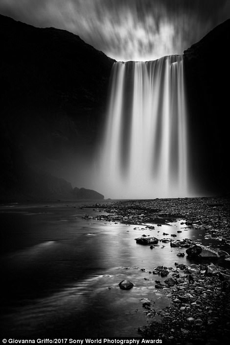 Водопад Скогафосс в Исландии искусство, конкурс, красота, фото